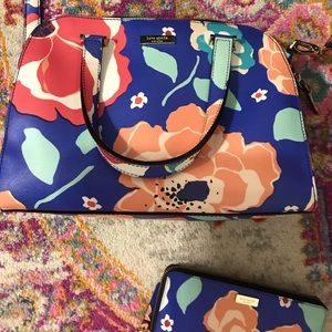 KATE SPADE ♠️ floral pattern purse and wallet